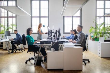 تفاوت فضای کار اشتراکی با ساختار های سنتی  566